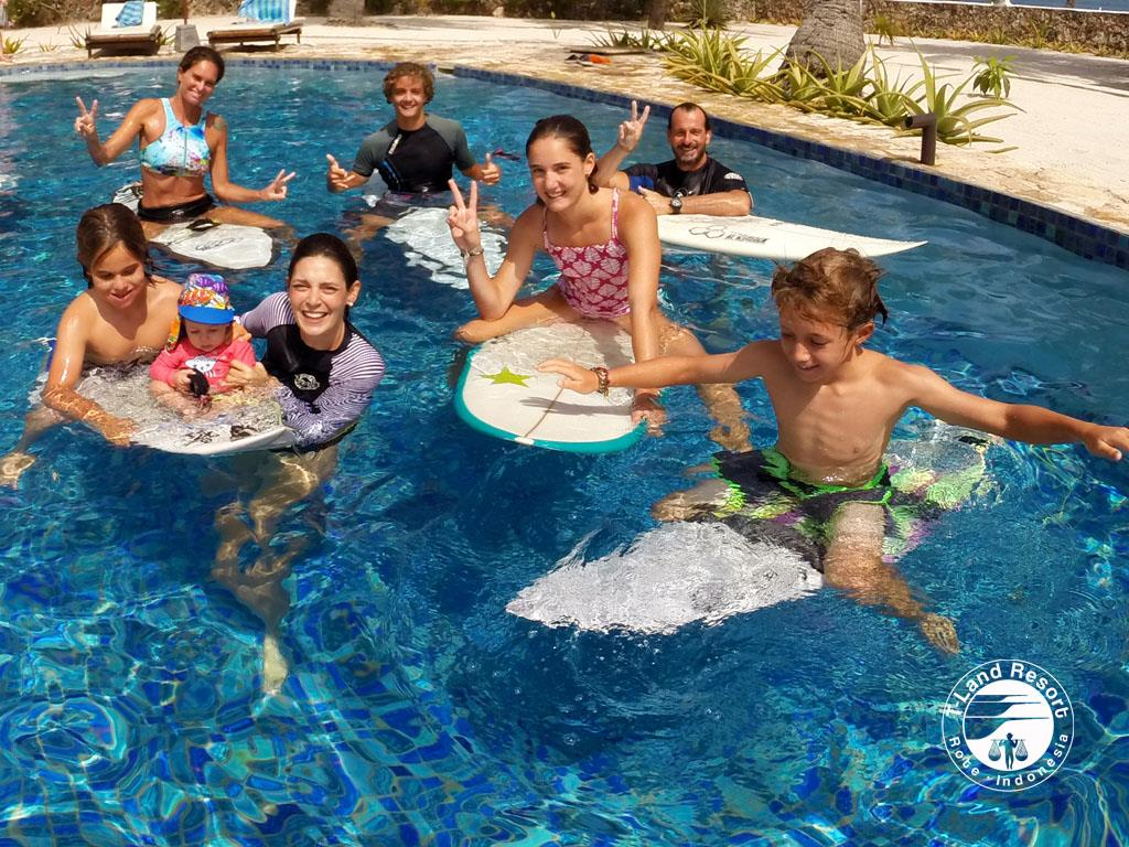 1180-spanish-pool-family-holidays-surf-trip-2017