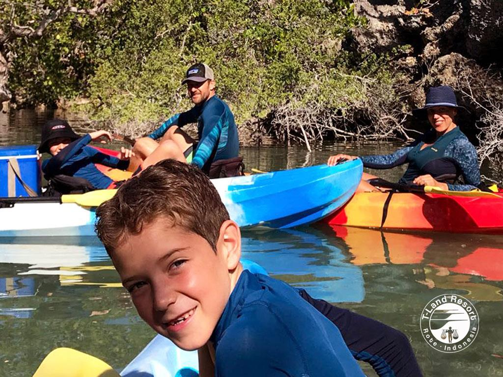 1690-family-marcela-diego-kayak-rote-island-2018
